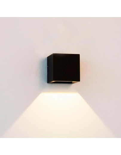Cube Mini down LED i sort fra Light-point