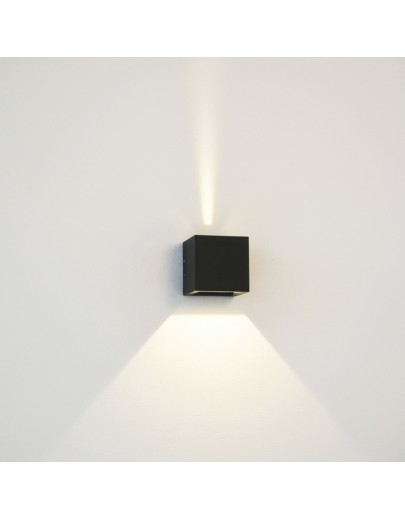 Cube Mini LED i sort fra Light-point